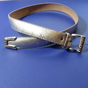 Cach'e size M silver belt with silver metal buckle